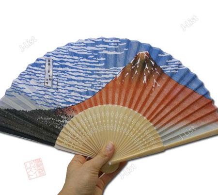 http://www.estampes-japonaises.org/wp-content/uploads/2008/04/eventail-fuji-hokusai.jpg